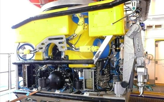 2.5 meters Length ROV vessel