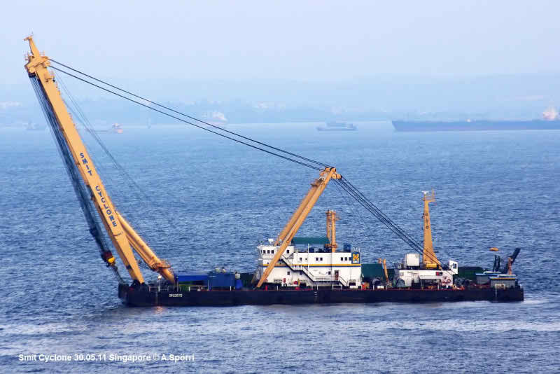 73 Meter Length Floating Crane