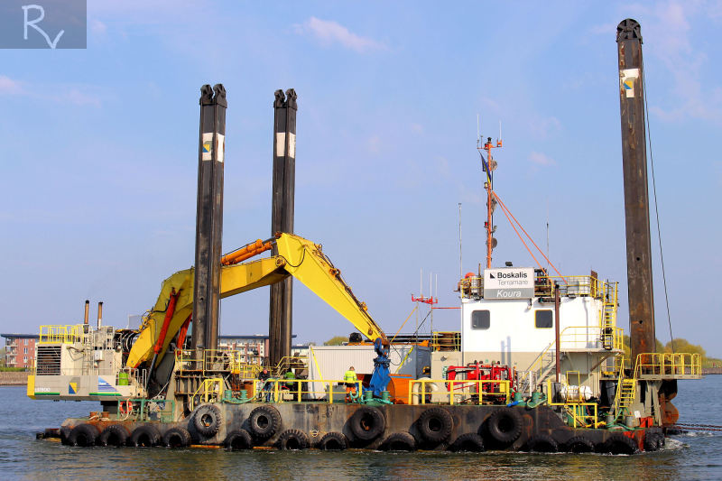 33 Meter Length Dredger