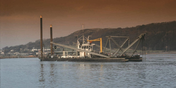 89 Meter Length Dredger